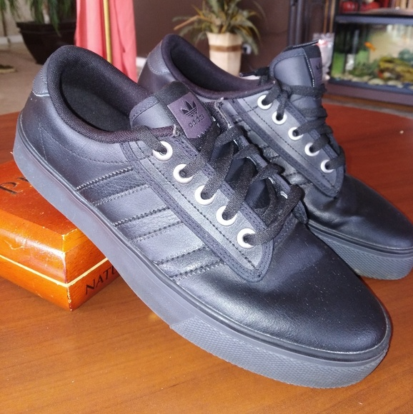 adidas Shoes Pris Drop Kiel sort læder sneakersPoshmark Kiel Black Skater Størrelse 8 Nwot Poshmark